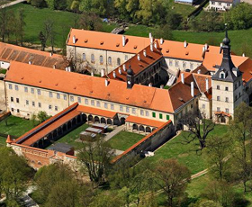 Castles and chateaux of the moravian-austrian Podyjí